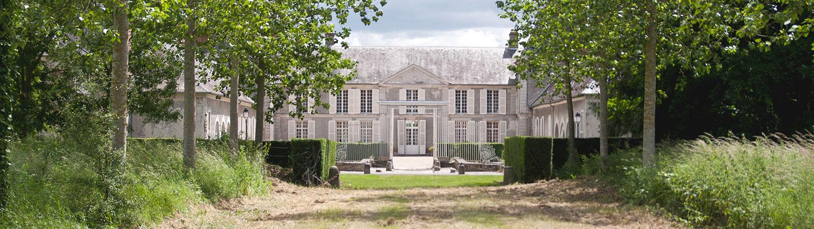 Chateau-de-janvry-1